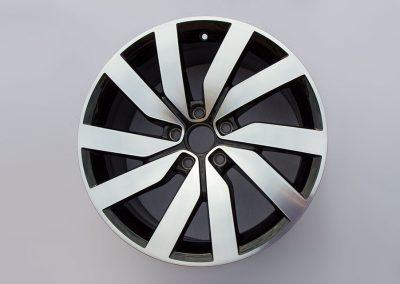FELGENTEC – GLANZGEDREHTE VW GTI Felge